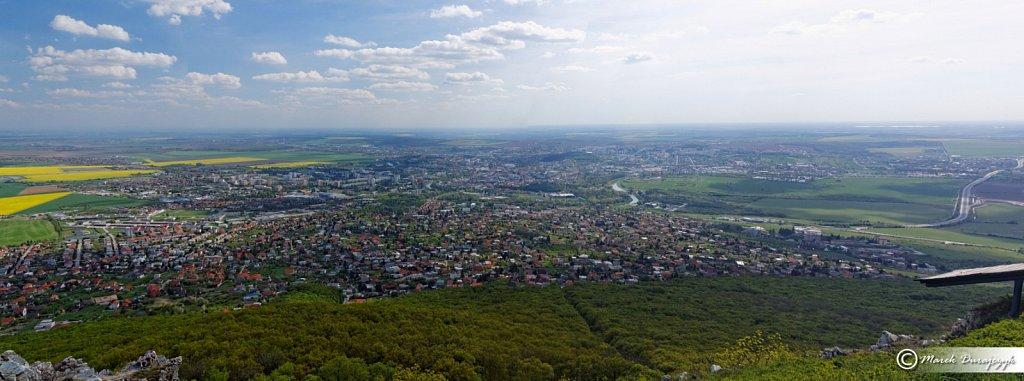 Miasto  Nitra widziana z góry Zobor